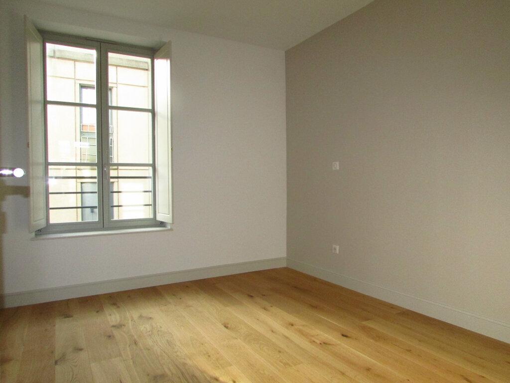 Appartement à louer 3 61.59m2 à Nancy vignette-4