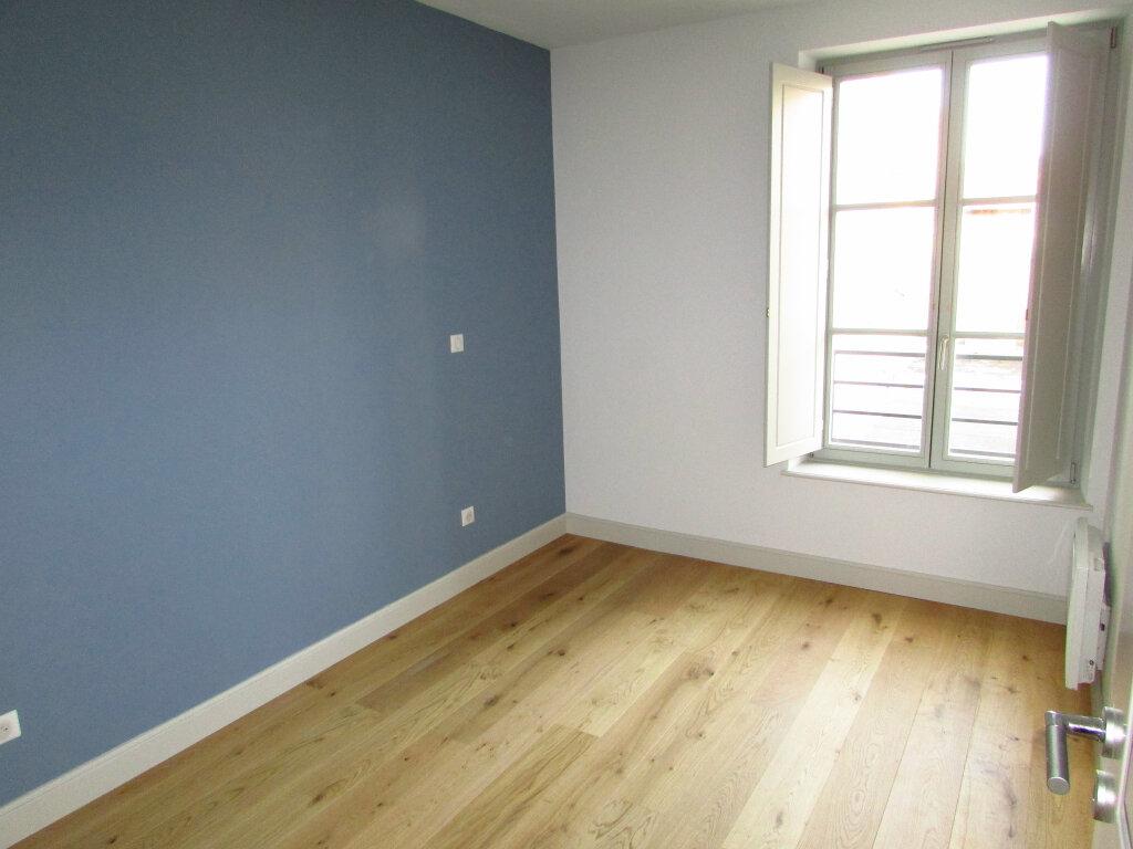 Appartement à louer 3 61.59m2 à Nancy vignette-5