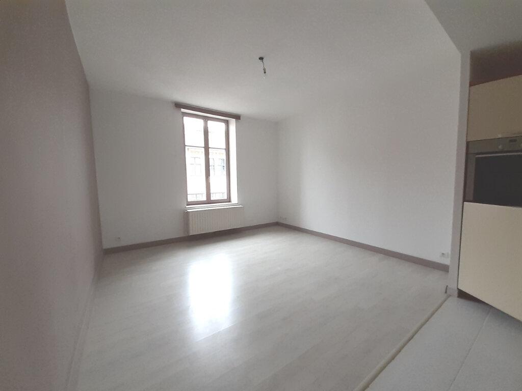 Appartement à louer 3 61.06m2 à Nancy vignette-3