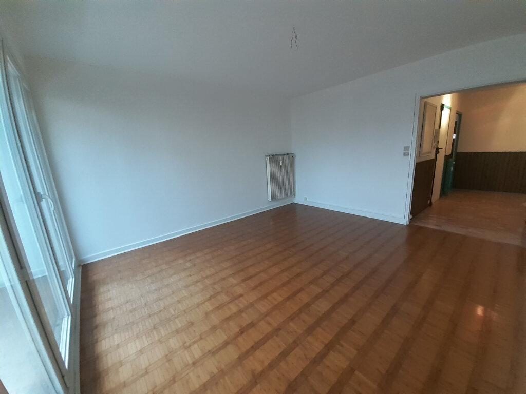 Appartement à louer 4 77.29m2 à Saint-Max vignette-3