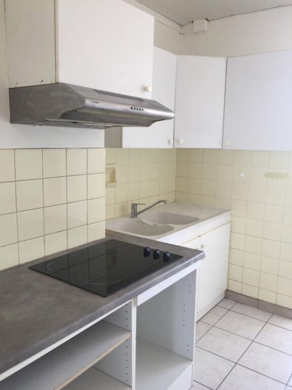 Appartement à louer 4 67.48m2 à Castelnau-le-Lez vignette-1