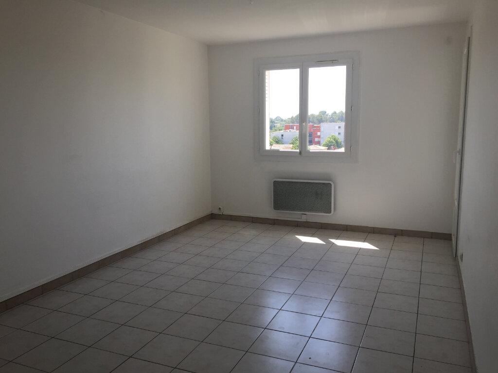 Appartement à louer 4 67.48m2 à Castelnau-le-Lez vignette-2