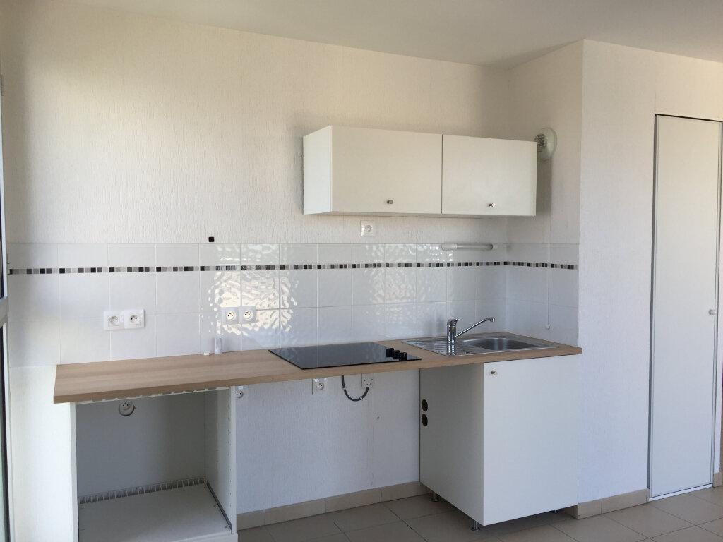 Appartement à louer 3 65.11m2 à Montpellier vignette-2