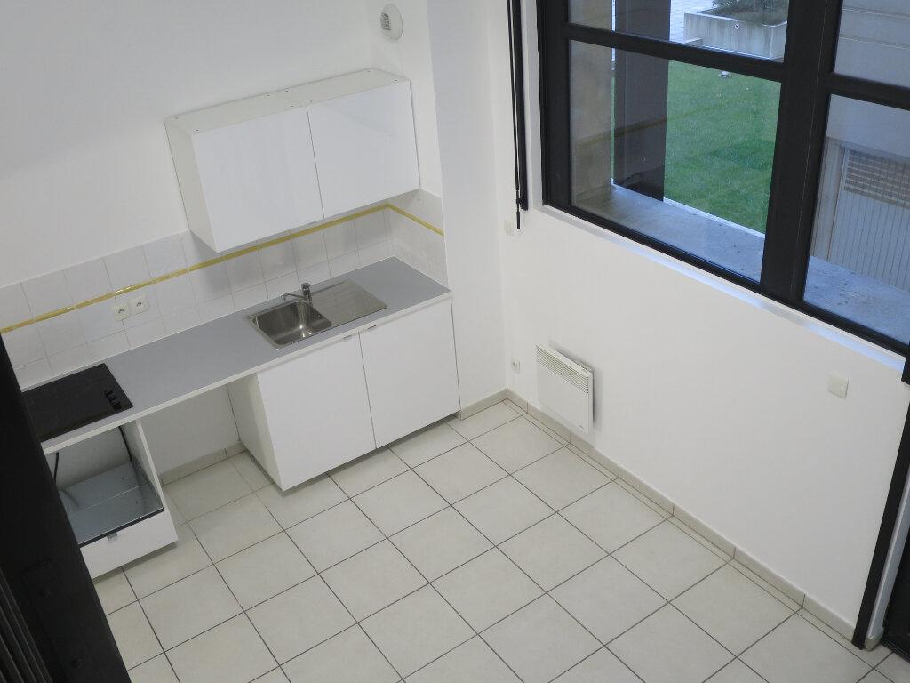Appartement à louer 3 70.4m2 à Montpellier vignette-2
