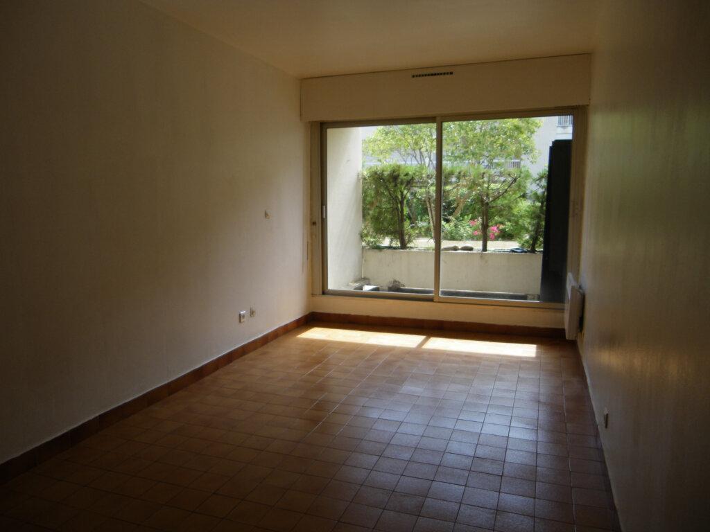 Appartement à louer 1 22.63m2 à Montpellier vignette-3