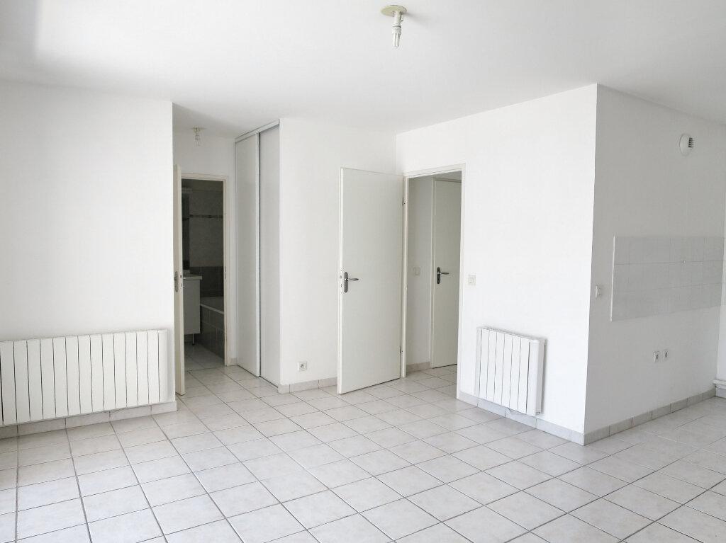 Appartement à louer 2 41.72m2 à Castelnau-le-Lez vignette-3