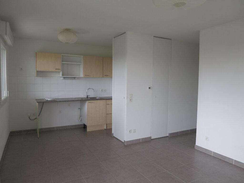 Appartement à louer 2 42.1m2 à Montpellier vignette-1