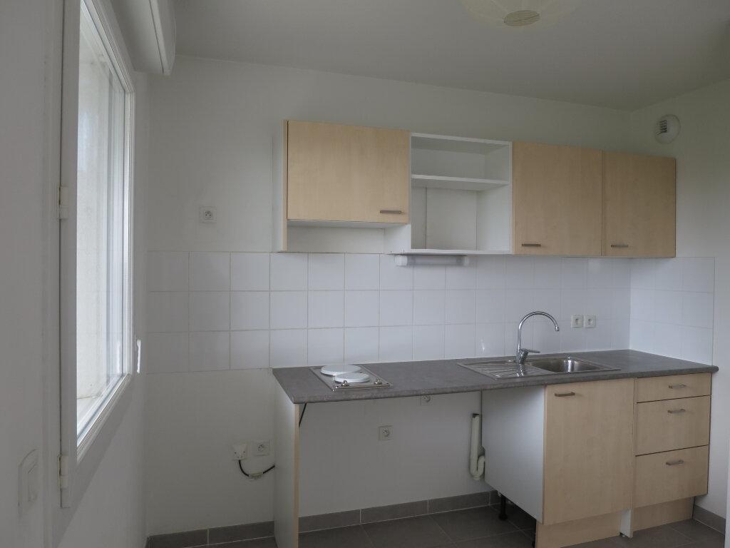Appartement à louer 2 42.1m2 à Montpellier vignette-2