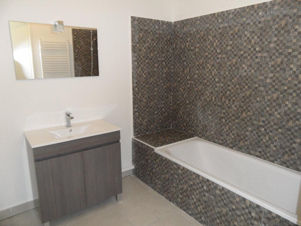 Appartement à louer 3 60.5m2 à Montpellier vignette-4