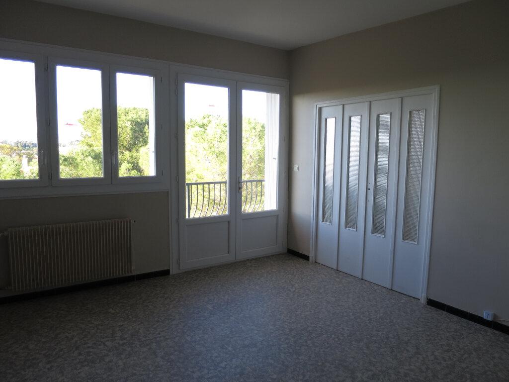 Appartement à louer 3 75.56m2 à Montpellier vignette-2