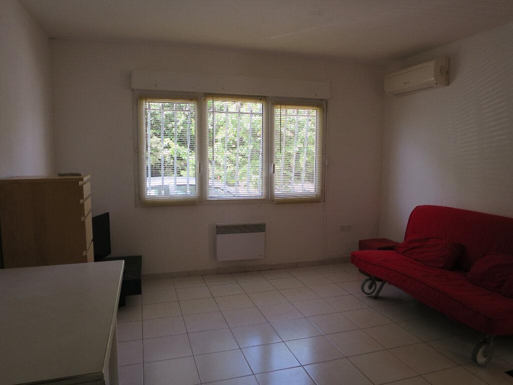 Appartement à louer 2 30.79m2 à Montpellier vignette-3