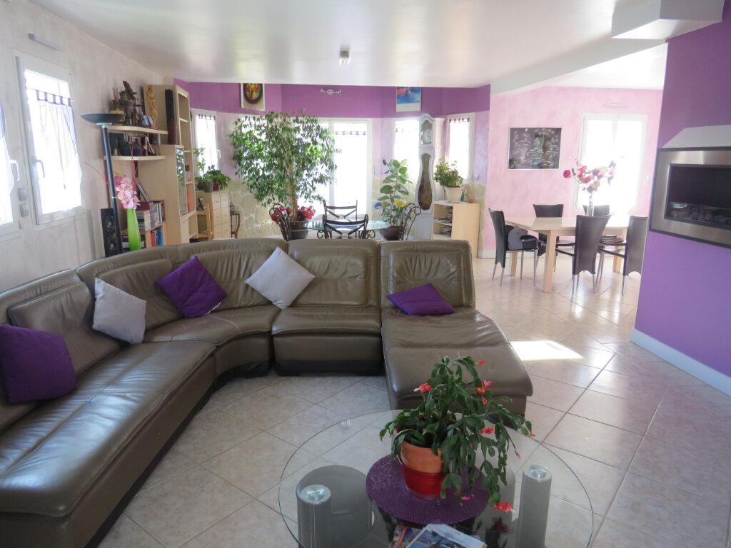 Maison à vendre 7 182m2 à Belloy-en-France vignette-4