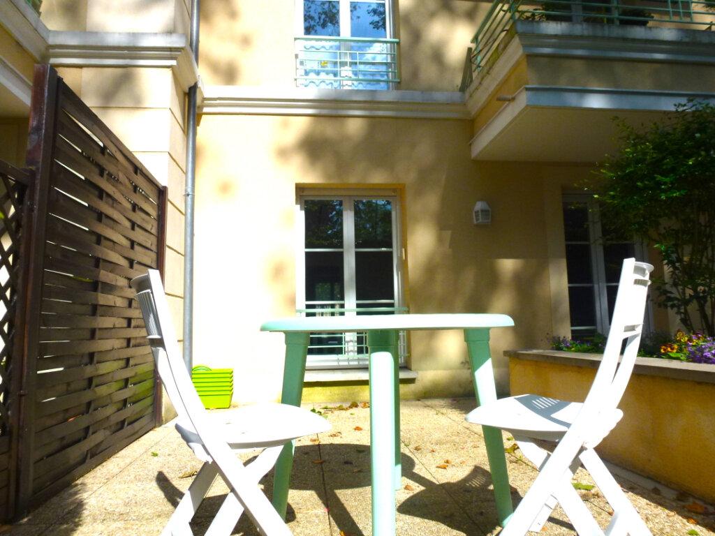 Appartement à louer 4 82.14m2 à Luzarches vignette-1