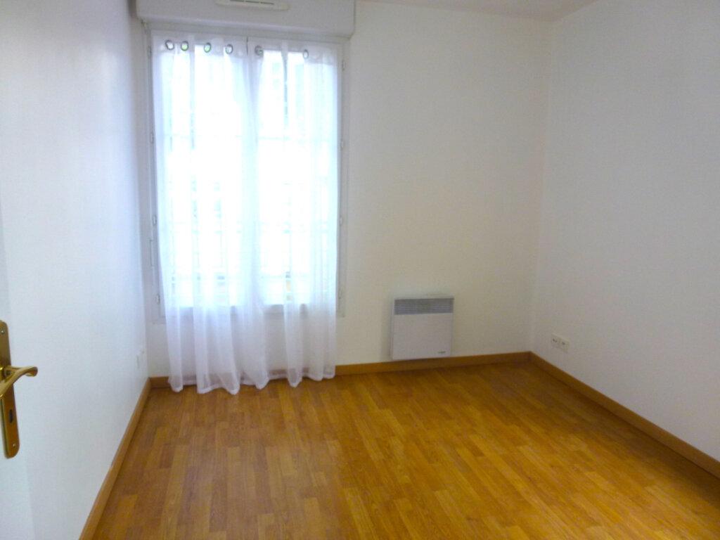 Appartement à louer 4 82.14m2 à Luzarches vignette-6