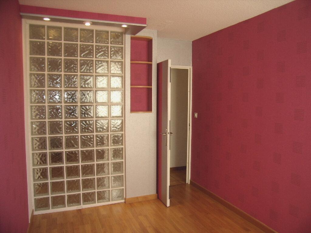 Appartement à louer 4 90m2 à Sainte-Maxime vignette-6