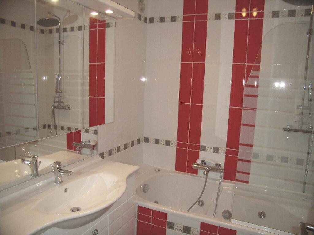 Appartement à louer 4 90m2 à Sainte-Maxime vignette-7