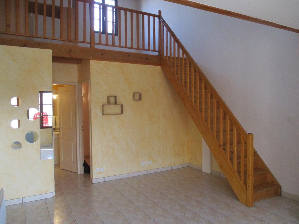 Appartement à louer 2 47m2 à Saint-Sulpice-sur-Lèze vignette-4