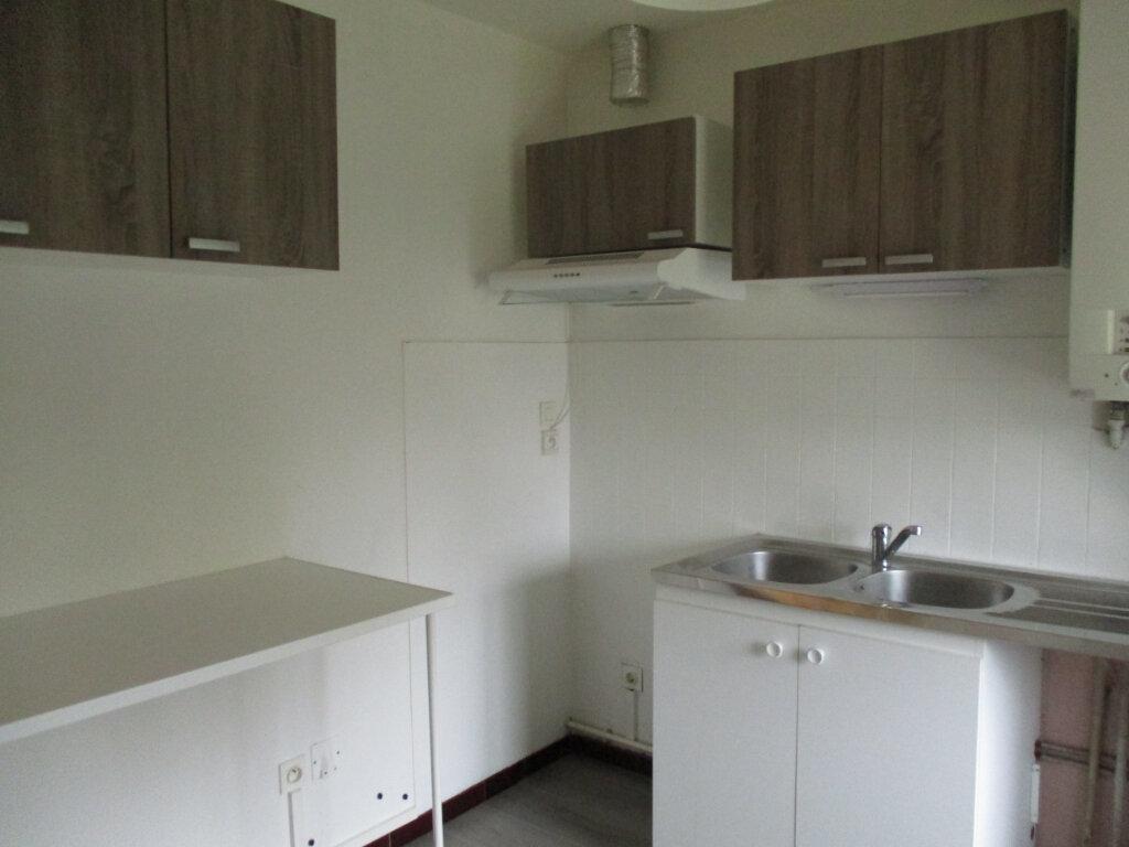 Appartement à louer 3 92.6m2 à Longages vignette-5