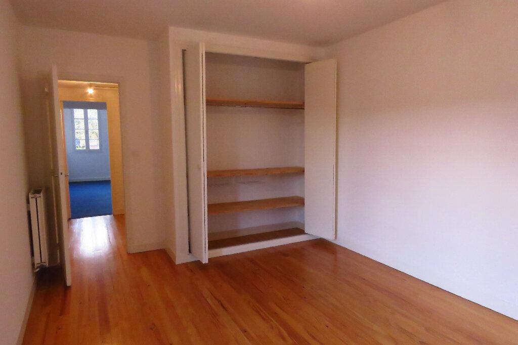 Appartement à louer 3 92.6m2 à Longages vignette-9