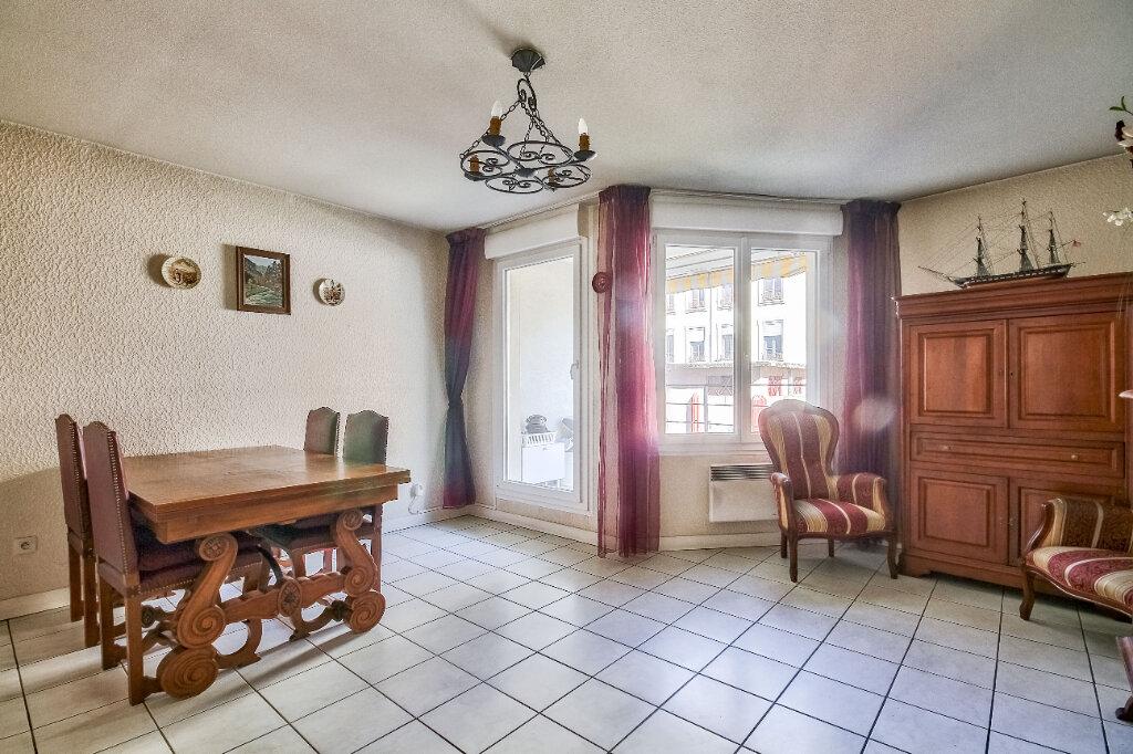 Appartement à vendre 3 56m2 à Villeurbanne vignette-1
