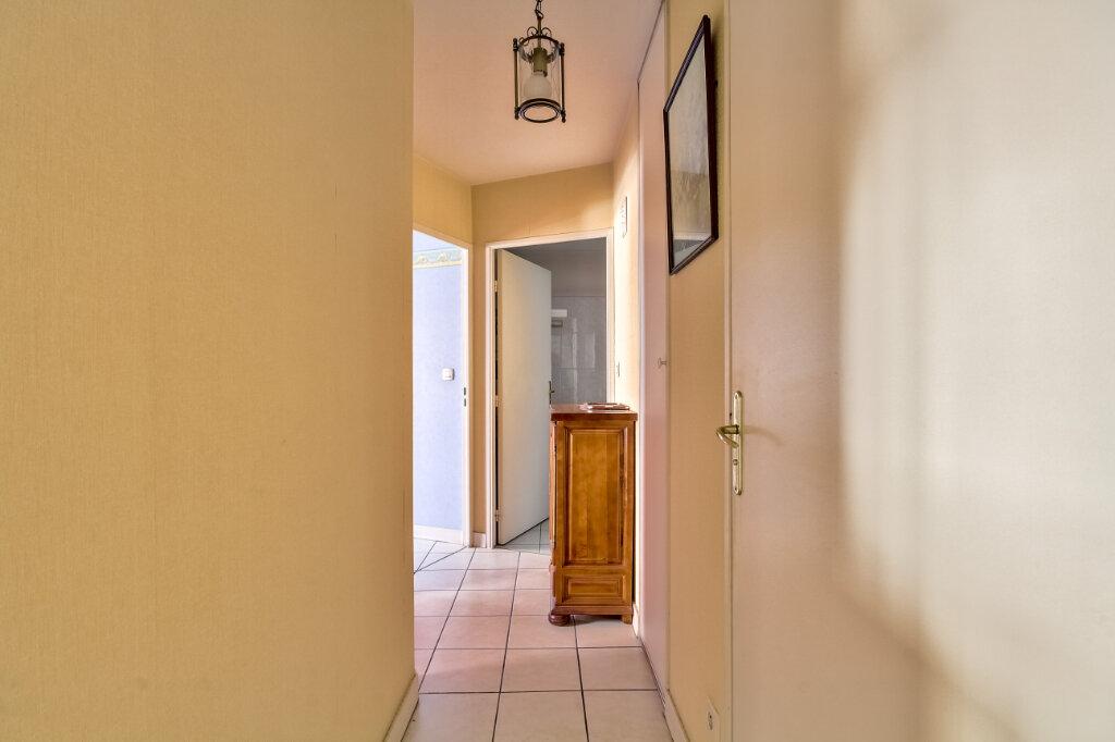 Appartement à vendre 3 56m2 à Villeurbanne vignette-4