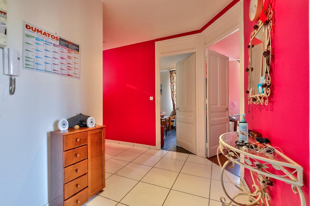 Appartement à vendre 3 71.97m2 à Villeurbanne vignette-2
