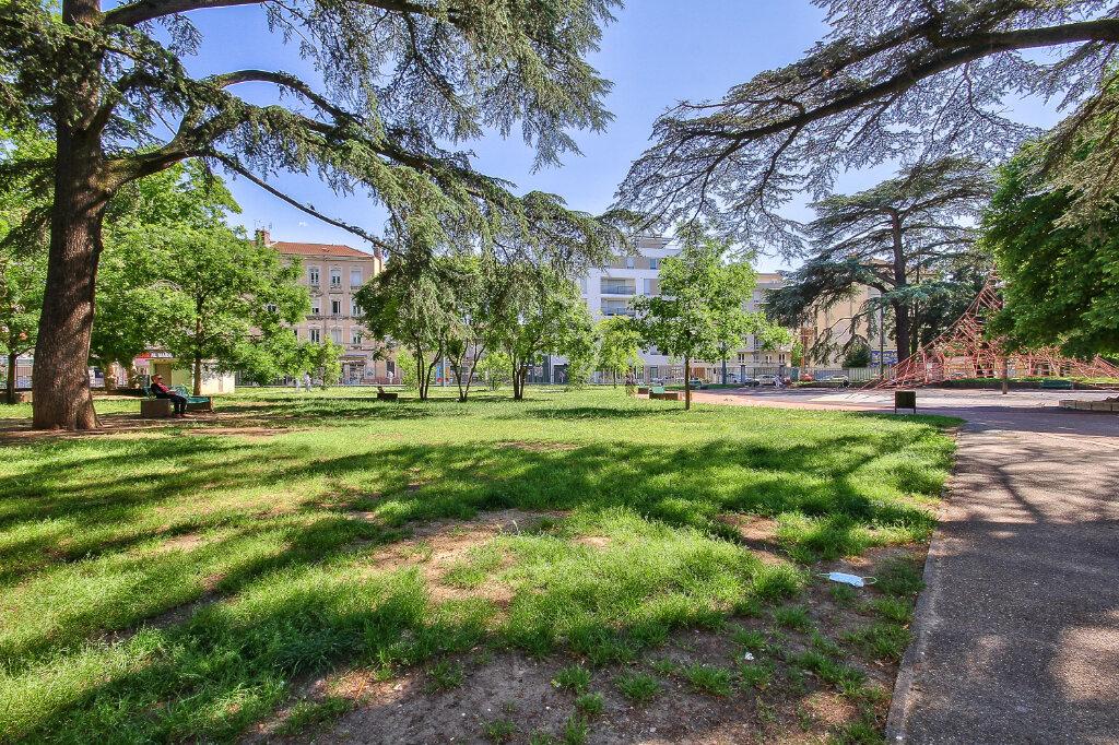 Appartement à vendre 3 57m2 à Villeurbanne vignette-4