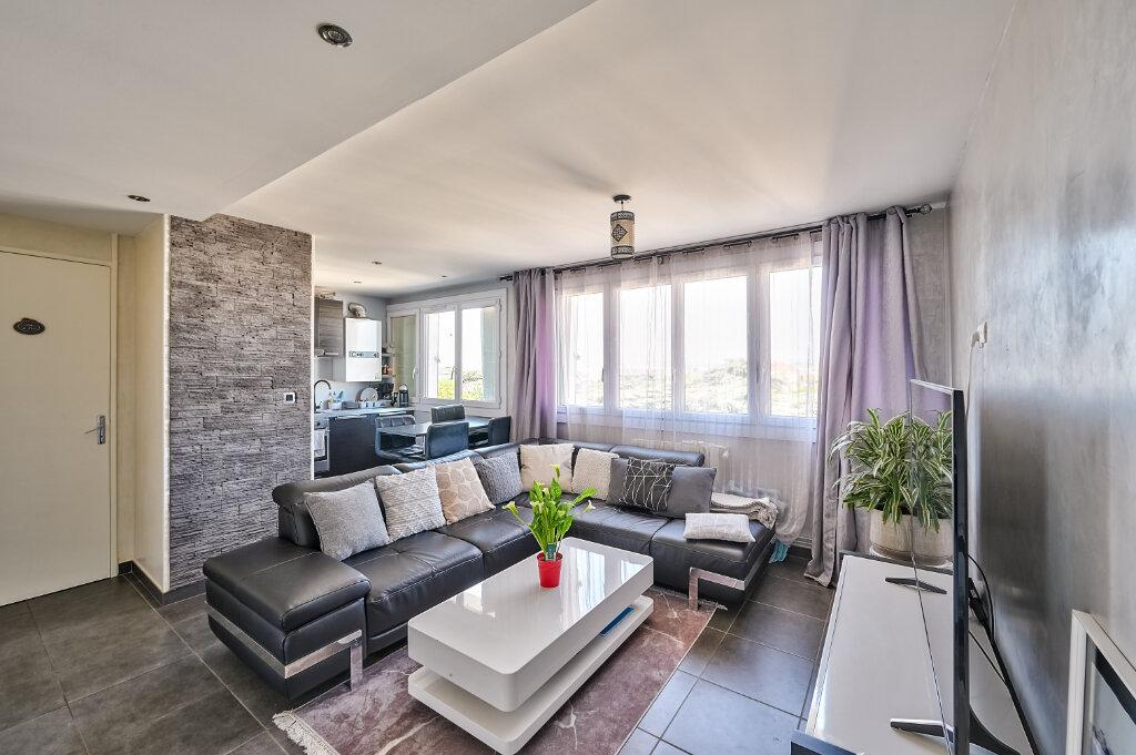 Appartement à vendre 3 57m2 à Villeurbanne vignette-3
