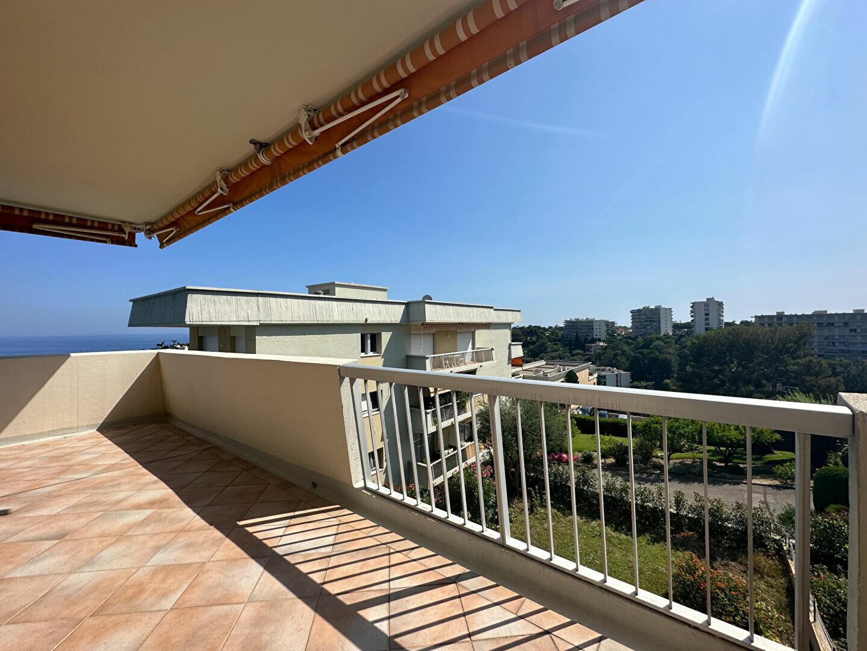Appartement à louer 4 137.95m2 à Roquebrune-Cap-Martin vignette-4
