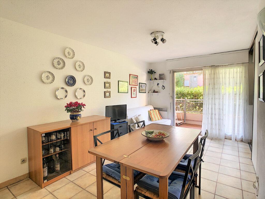 Appartement à vendre 2 35.7m2 à Roquebrune-Cap-Martin vignette-2