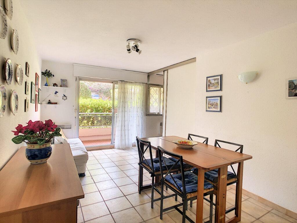 Appartement à vendre 2 35.7m2 à Roquebrune-Cap-Martin vignette-3