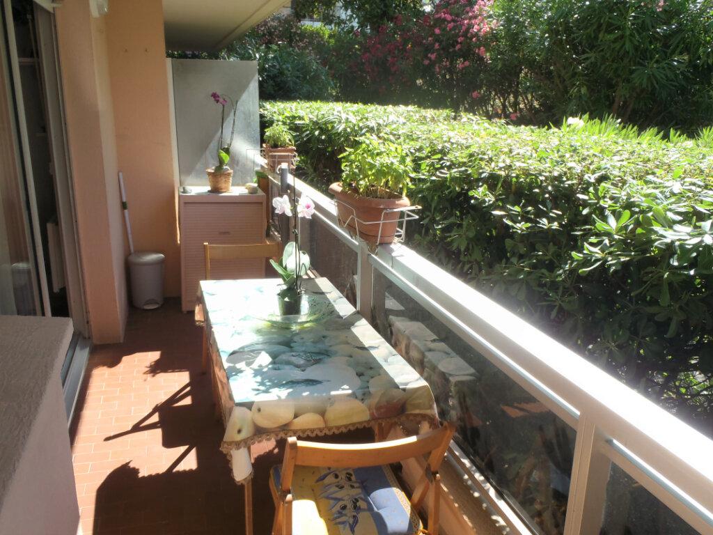 Appartement à vendre 2 35.7m2 à Roquebrune-Cap-Martin vignette-8