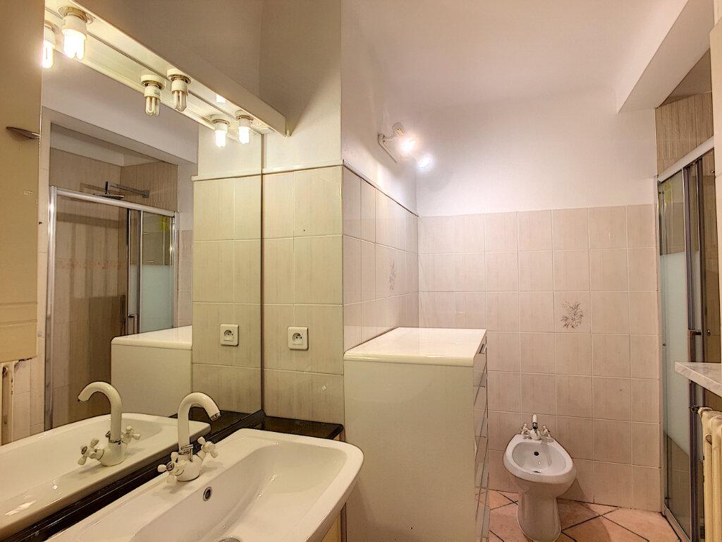 Appartement à louer 1 31.55m2 à Roquebrune-Cap-Martin vignette-7