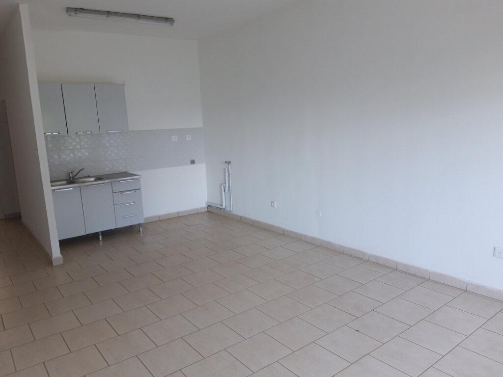 Appartement à louer 1 31.74m2 à Tsingoni vignette-5