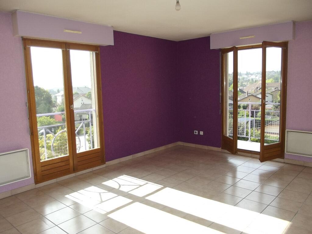 Appartement à louer 3 73.73m2 à Albens vignette-3