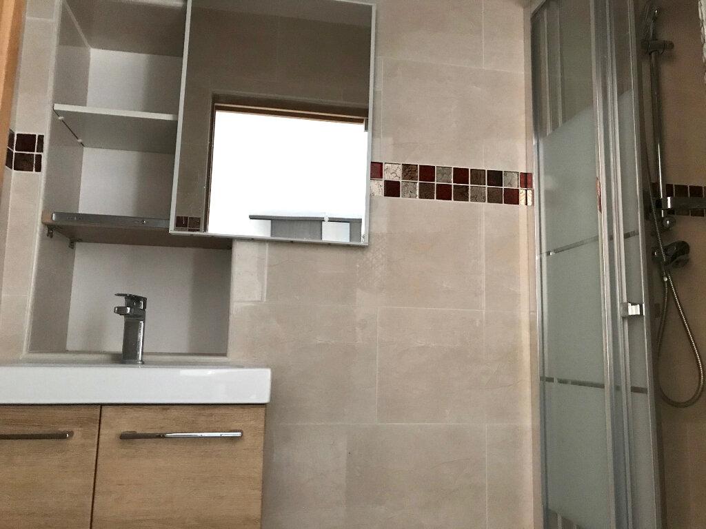 Appartement à louer 2 39m2 à Nice vignette-4