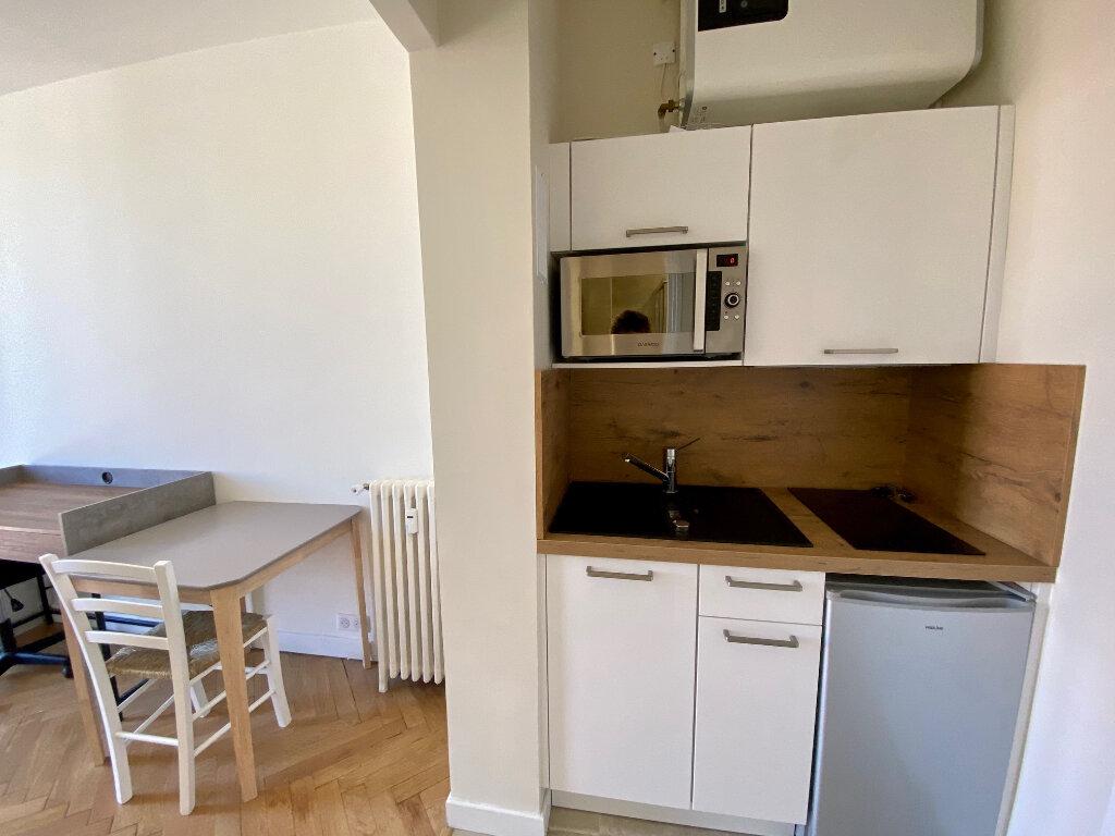 Appartement à louer 1 15m2 à Nice vignette-3