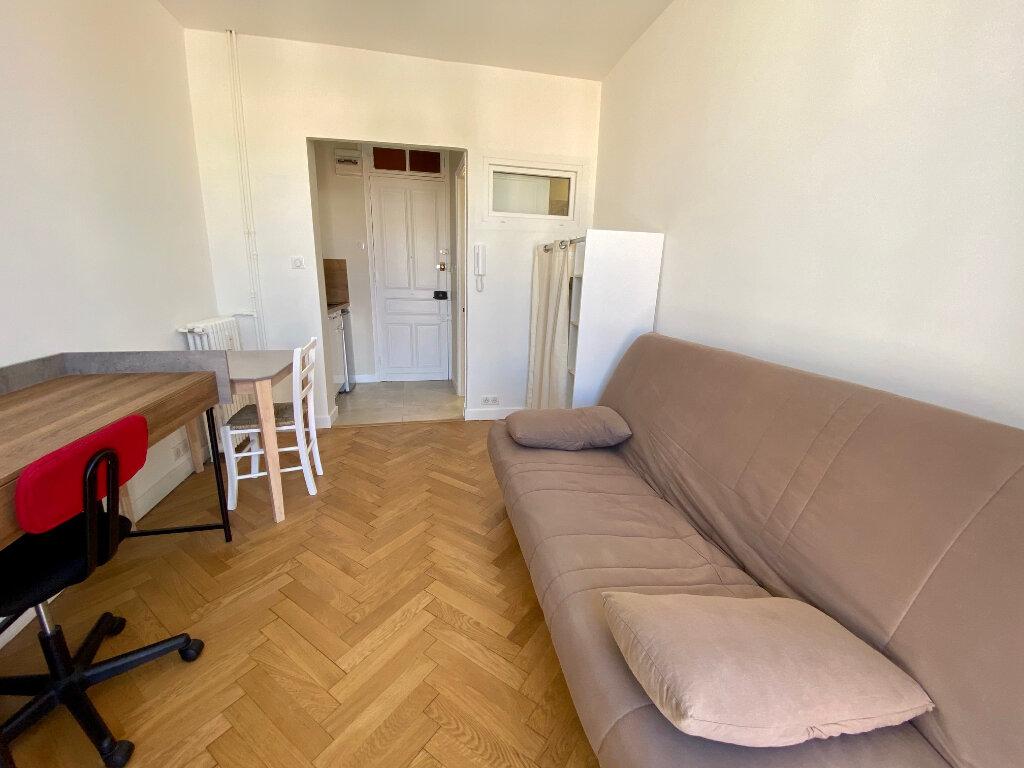 Appartement à louer 1 15m2 à Nice vignette-5