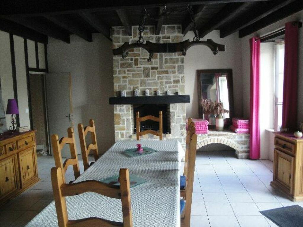 Maison à louer 6 120m2 à Brigueuil vignette-4