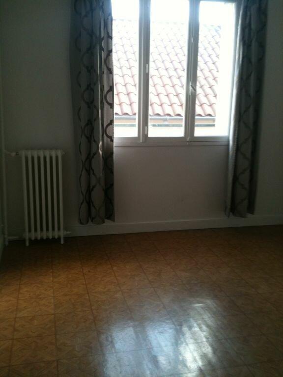 Appartement à louer 3 69m2 à Saint-Junien vignette-7