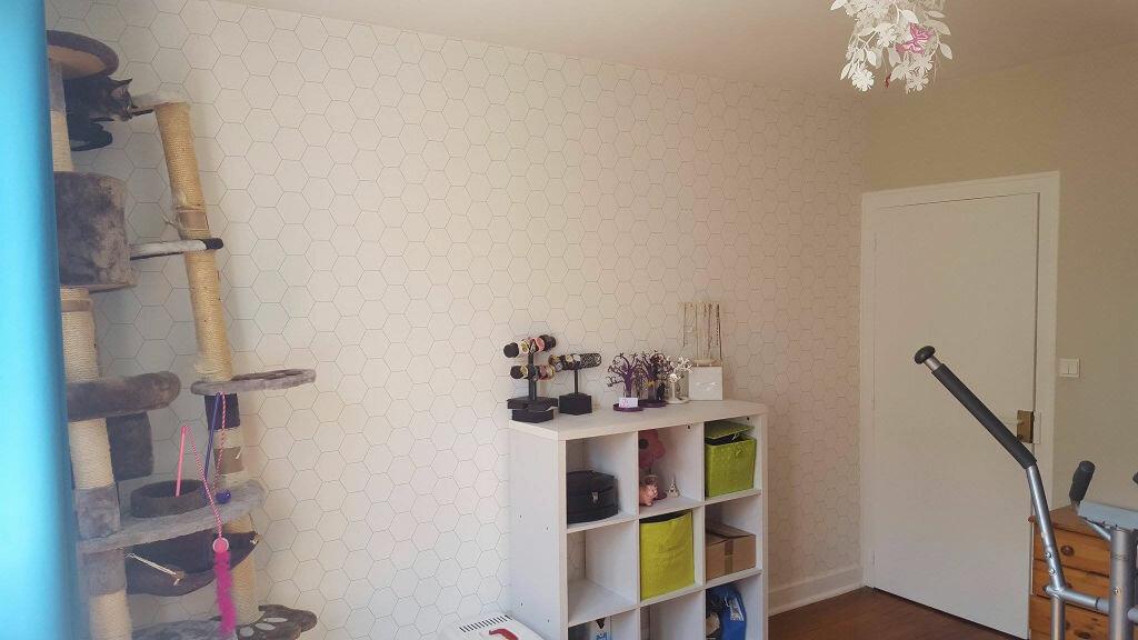 Appartement à louer 3 70m2 à Saint-Junien vignette-5