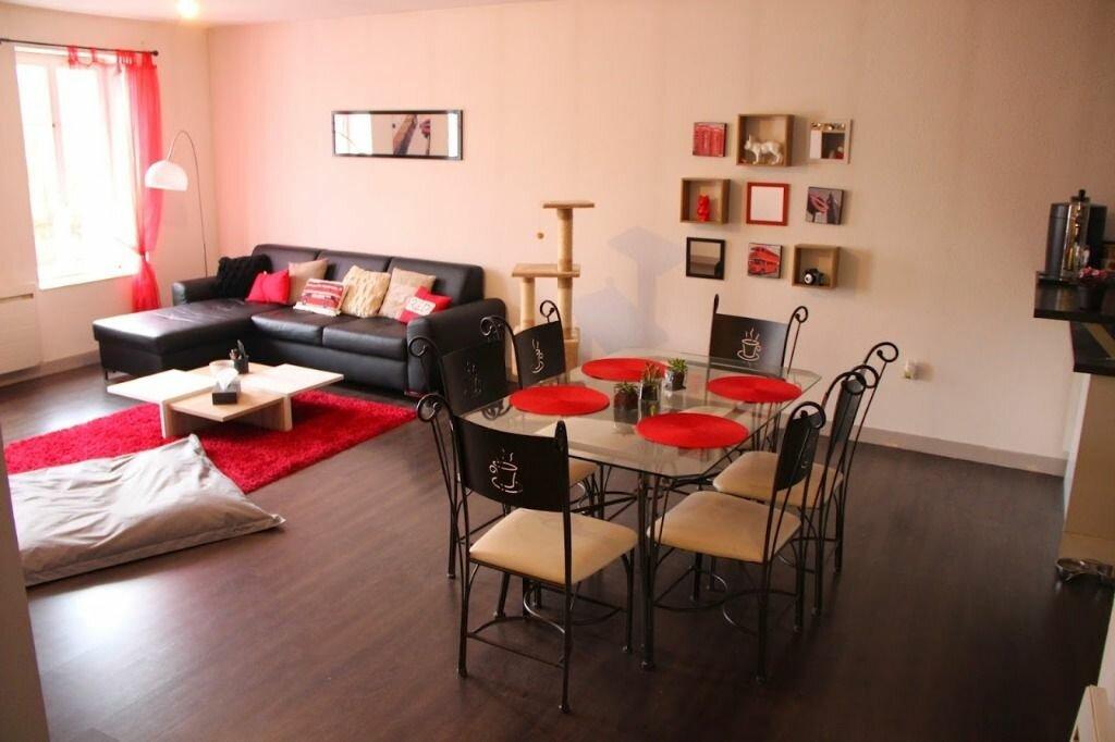 Appartement à louer 3 100m2 à Saint-Junien vignette-2