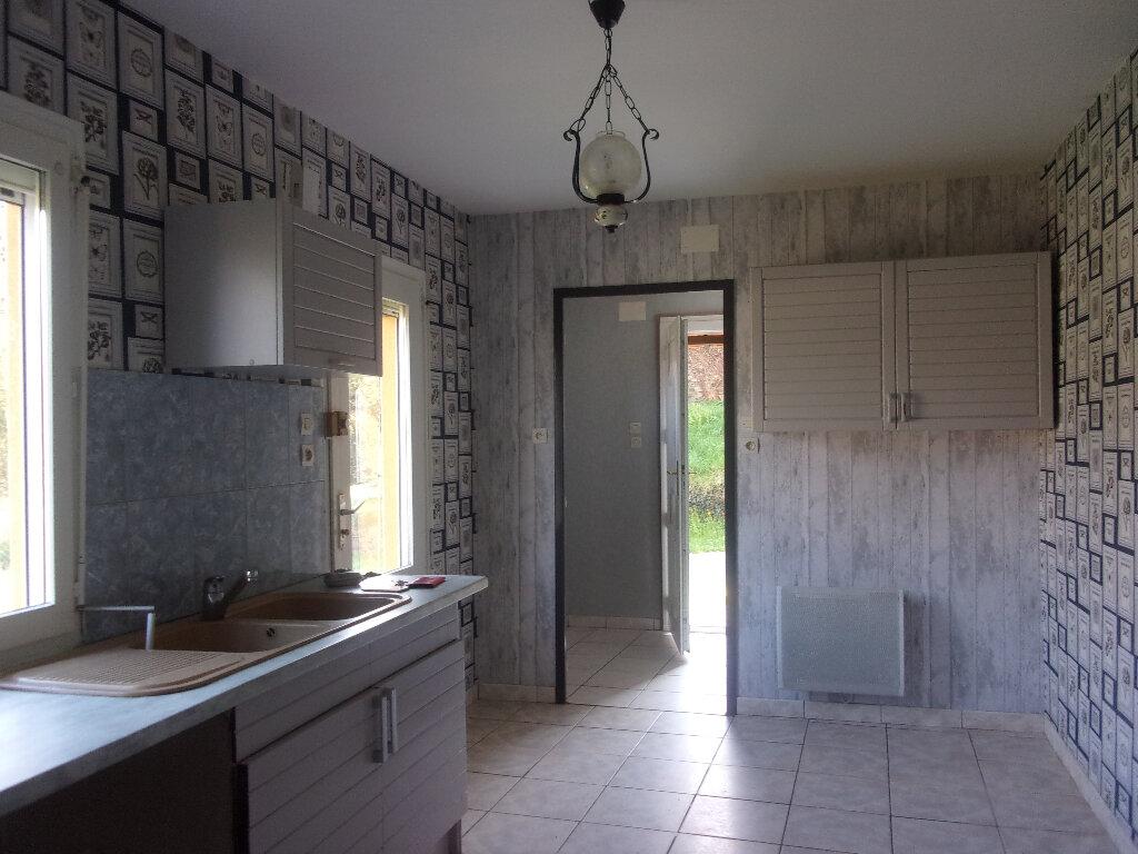 Maison à louer 4 92.77m2 à Chaillac-sur-Vienne vignette-2