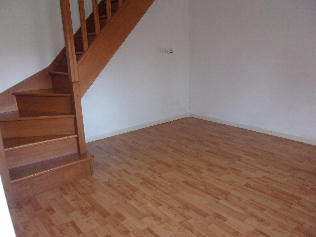 Maison à louer 4 92.77m2 à Chaillac-sur-Vienne vignette-4