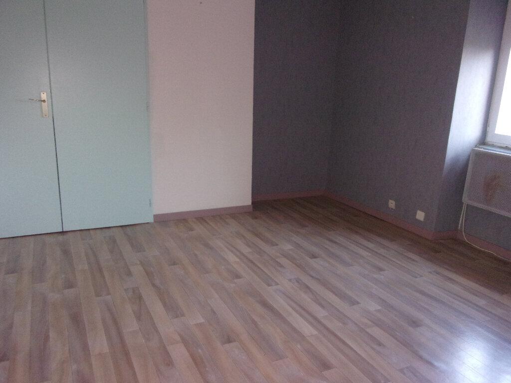 Maison à louer 4 92.77m2 à Chaillac-sur-Vienne vignette-9
