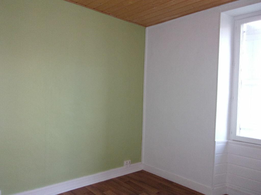 Appartement à louer 3 60m2 à Chabanais vignette-13