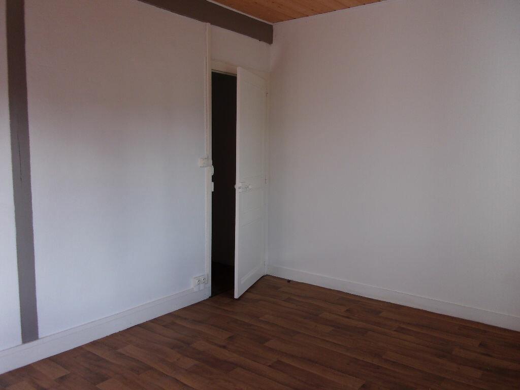 Appartement à louer 3 60m2 à Chabanais vignette-15