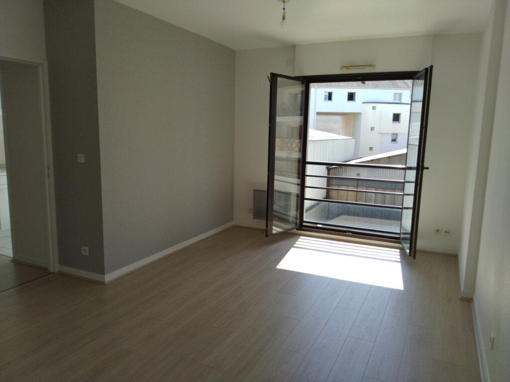 Appartement à louer 2 49.09m2 à Limoges vignette-6