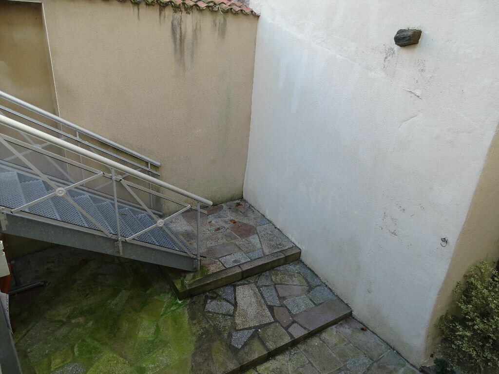 Appartement à louer 1 20m2 à Saint-Junien vignette-8