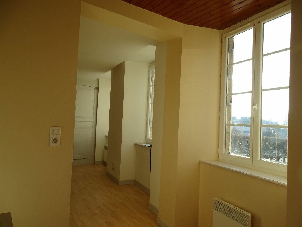 Appartement à louer 1 45m2 à Saint-Junien vignette-10